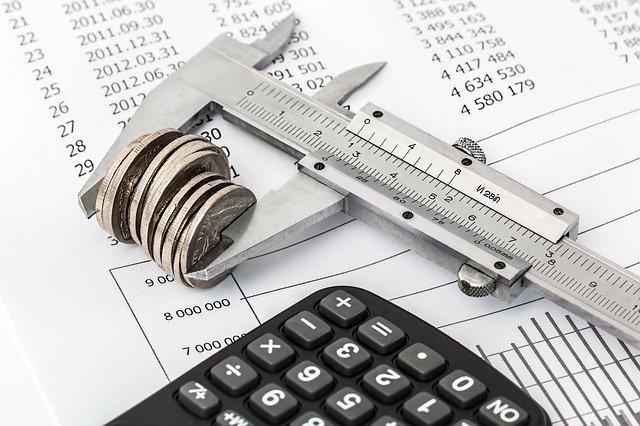 יועץ מס או רואה חשבון